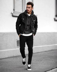 ⚫️️⚪️️ Black & white look 💪🏻 Leather jacket from Trendy Mens Fashion, Dope Fashion, Stylish Men, Urban Fashion, Fashion Outfits, Male Teen Fashion, Fashion 101, Men Casual, Men's Leather Jacket