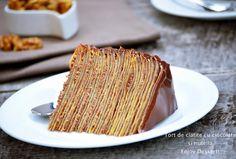 Tort de clatite cu ciocolata, nutella si nuci