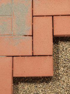 #Pavimentazione #Autobloccante - drenaggio garantito con i mattoni in cotto con naselli distanziatori - Clay Pavers