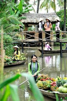 Daily Life, Ben Tre, Vietnam http://666travel.com/top-tourist-attractions/top-tourist-attractions-in-vietnam/