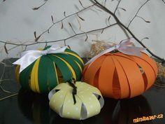Jednoduché podzimní tvoření s dětmi... Pumpkin, Halloween, Ideas, Pumpkins, Squash, Thoughts, Spooky Halloween