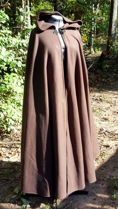 Dark Brown Long Cloak - Full Circle Fleece Medieval Renaissance Hooded Cloak - Costume Cape with hood Medieval Cloak, Medieval Clothing, Medieval Outfits, Hooded Cloak Pattern, Winter Cloak, Cyberpunk Fashion, Steampunk Fashion, Gothic Fashion, Boating Outfit