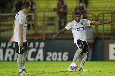 BotafogoDePrimeira: Porto seguro, defesa vira dor de cabeça no Botafog...