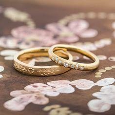 ゴールド,ダイヤモンド/マリッジリング:Modello(モデーロ) つや消しのマットな質感に浮かぶ彫り模様や小さな粒 [ダイヤモンド,ミルグレイン,marriage,K18 Gold,ウエディング,wedding]