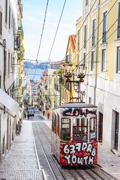A rainbow tour of Lisbon