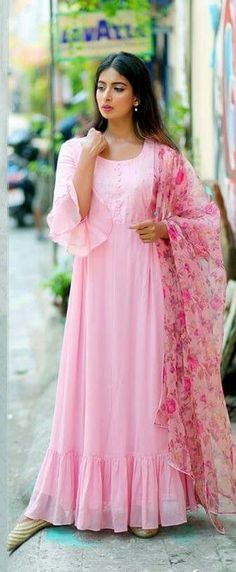 Pink with florals Anarkali Dress, Pakistani Dresses, Indian Dresses, Indian Outfits, Simple Dresses, Casual Dresses, Fashion Dresses, Kurta Designs, Blouse Designs
