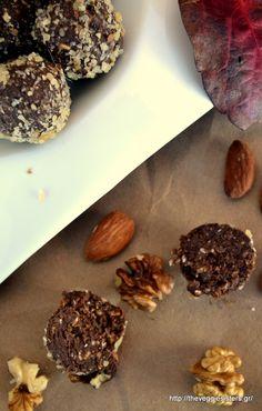 υπέροχα τρουφάκια με σοκολάτα κ αβοκάντο Truffles, Almond, Muffins, Cupcakes, Cookies, Chocolate, Desserts, Amazing, Food
