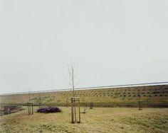Hans-Christian Schink, A 14, Anschlussstelle Könnern, aus: VDE (Verkehrsprojekte Deutsche Einheit), 1999, C-Print/Diasec, 178 x 211 cm und 121 x 143 cm, Auflage 5 + 3