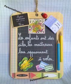 "Ardoise ""les couleurs de l'école "" cadeau maîtresse personnalisable Teacher Gifts, Diy And Crafts, Hobbies, Scrapbook, Homemade, Activities, Fun, Ladies Day, Activities For Kids"