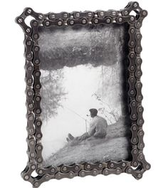 5 Easy Pieces — Upcycled Photo Frames ~ Krrb Blog