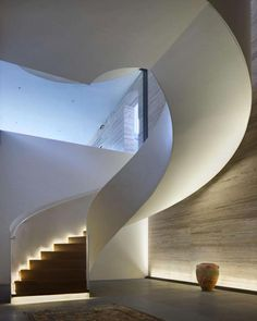 Architect: ID: Studio Terre Lighting Design: Light Collab – staircase Staircase Handrail, Curved Staircase, Railings, Staircases, Spiral Stairs Design, Staircase Design, Small Space Interior Design, Home Interior Design, Stair Lighting