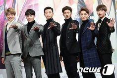 [Picture/Media] Kim Taehyung (BTS V) at Hwarang Press Conference Asian Actors, Korean Actors, V Hwarang, Park Hyung Shik, Park Seo Joon, Hyung Sik, Kdrama Actors, Kpop, Korean Celebrities