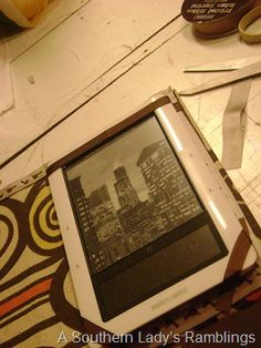 e-reader cover tutorial. very easy. I need to do this. The one I have is too heavy