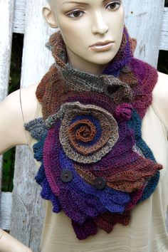 Crochet Scarf Capelet Roses Neck Warmer Unique par Degra2 sur Etsy