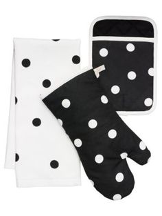when things get a little heated (as they tend to do in kitchens), keep your cool. this adorable set of oven mitts, pot holder, and dish towel--in a delightfully retro polka dot print--will have your h