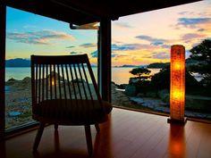 本州の最西端に位置する山口県は、日本海や瀬戸内海に面し、自然の絶景スポットや観光地が溢れる県なのです。今回は山口県に旅行に行くときにお勧めのホテルをランキング形式で20箇所紹介します。ビジネス利用から観光目的まで、幅広くホテルを選んだので、自分の目的に合ったホテルを見つけてください。