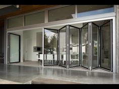 World's Only Edge-to-Edge Glass Folding Wall - YouTube