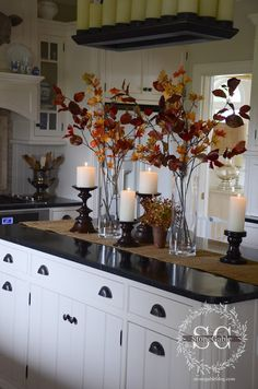 home accents kitchen Kche Herbst Dekor Ideen, die - Fall Home Decor, Autumn Home, Diy Home Decor, Fall Living Room, Living Room Decor, Dining Room, Dining Buffet, Dining Tables, Centerpiece Decorations