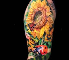 Sunflower and Ladybird, perfect full colors realistic tattoo style done by artist Lena Art Sunflower Tattoo Sleeve, Sunflower Tattoo Shoulder, Sunflower Tattoo Small, Sunflower Tattoos, Sunflower Tattoo Design, Best 3d Tattoos, Time Tattoos, Body Art Tattoos, Half Sleeve Tattoos Forearm