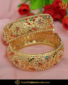 Gold Jewelry From Egypt Gold Bangles Design, Gold Jewellery Design, Gold Jewelry, Jewelry Box, Jewelery, Punjabi Traditional Jewellery, Jewelry Design Earrings, Indian Jewelry, Pakistani Jewelry