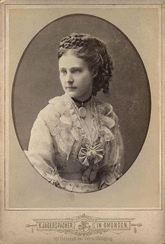 Archiduchesse Maria-Theresia d'Autriche-Toscane (1862-1933) fille de l'archiduc Karl Salvator (1839-1892) et de la princesse Maria Immaculata de Bourdon-Deux-Siciles (1844-1899)