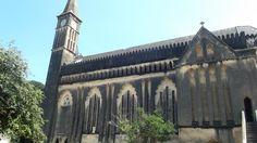 No interior da linda igreja do século XVI, tombada, hoje serve como salão de reunião dos guias turísticos.