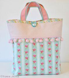 Pom Pom Trim Tote Bag Sewing Tutorial