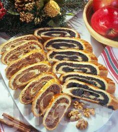 Lajos Mari konyhája - Diós-mákos bejgli - 2-2 rúdhoz, illetve 20-20 szelethez:      Az élesztős omlós tésztához:     600 g finomliszt     150 g vaj/margarin     100 g sertészsír vagy összesen 250 g margarin     1 csipet só     1,5 dl tej     1 kk.+50 g porcukor     15 g élesztő     2 tojás + 2 a kenéshez
