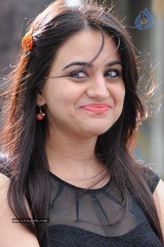 Aksha Sexy Cleavage Show in Red Beautiful Indian Actress, Beautiful Actresses, Gorgeous Eyes, Beautiful Women, Cute Beauty, Actress Photos, Indian Beauty, Bollywood Actress, Indian Actresses