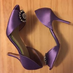 "BADGLEY MISCHKA Lilac satin open-toe pumps PERFECT FOR WEDDING SEASON! Lilac satin pumps. 3"" heels. Beautiful brooch detail at toes. Super comfortable party shoe. New insoles to prevent sliding. Worn once. One small sign of wear on fabric (see last photo). Priced to sell. Badgley Mischka Shoes Heels"