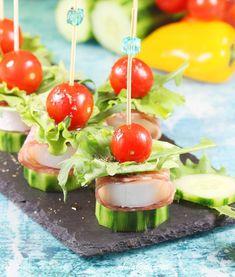 Koreczki | AniaGotuje.pl Caramel Apples, Cheddar, Desserts, Food, Home Kitchens, Salad, Tailgate Desserts, Deserts, Cheddar Cheese