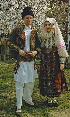 Ilfov Folk Clothing, Medieval Clothing, Folk Costume, Costume Dress, Beautiful Soul, Beautiful People, Costumes Around The World, Life Is Precious, Historical Women