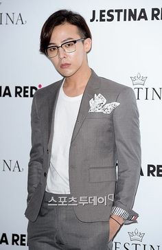 G-Dragon at J. Estina's 2014 F/W presentation held at the Namsan State Tower in Seoul on September 3 Daesung, Gd Bigbang, Bigbang G Dragon, Choi Seung Hyun, Big Bang, Brand Presentation, Gd And Top, Dragon Birthday, Ji Yong