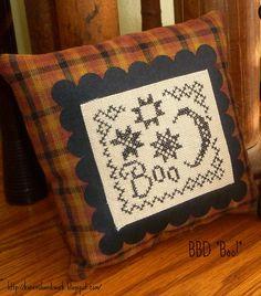 "Scallop and Homespun finish with tight border of Blackbird Designs' ""Boo"""