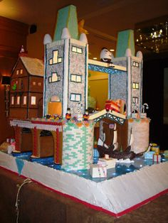 The Seattle Sheraton Gingerbread Village 2013 - London Bridge is Falling Down http://www.squidoo.com/seattle-christmas-gingerbread-house