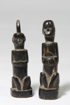 Currently at the #Catawiki auctions: Pair of tiny horn charm ancestor figures - Atoni - Timor - Indonesia