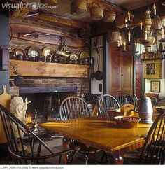 DINING ROOMS: Bow-back Windsor chairs, early American style, fireplace, lots of… Primitive Dining Rooms, Primitive Homes, Primitive Kitchen, Primitive Furniture, Rustic Kitchen, Country Kitchen, Primitive Decor, Primitive Country, Country Decor