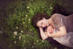 Newborn and mum lying in field. Newborn Photography Ideas