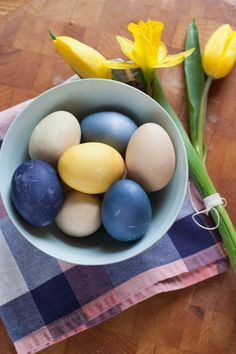 how to dye all natural easter eggs