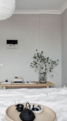 Home Decor For Small Spaces Beautiful home in beige - via Coco Lapine Design.Home Decor For Small Spaces Beautiful home in beige - via Coco Lapine Design Interior Simple, Home Interior, Scandinavian Interior, Cheap Dorm Decor, Sweet Home, Home Decor Bedroom, Bedroom Signs, Bedroom Rustic, Diy Bedroom