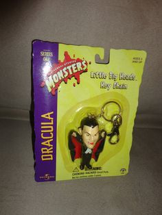 New Little Big Heads Dracula keychain Universal Studios Monsters Ser 1 Halloween find me at www.dandeepop.com