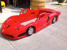 Cama Ferrari