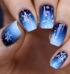 Gorgeous blue and snowflake nail art design, winter nail art design - Nageldesign - # Xmas Nails, Holiday Nails, Christmas Nails 2019, Winter Nail Art, Winter Nails, Winter Art, Winter Snow, Winter 2017, Snowflake Nail Art