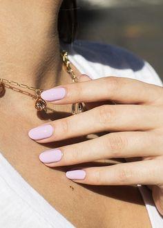 Short Oval Nails, Short Almond Nails, Almond Shape Nails, Nails Shape, Lilac Nails, Pastel Nails, Pastel Purple, Pretty Pastel, Almond Acrylic Nails