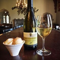 To celebrate and at Cocktail Hour this week, the Gallery Grill is pouring Quarry Road Unfiltered chard and scooping house-made Chardonnay ice cream. Cocktail Hour takes place Wed, Thurs and Fri Hart House, Alcoholic Drinks, Cocktails, Toronto Life, D Day, House Made, Grilling, Brunch, Ice Cream