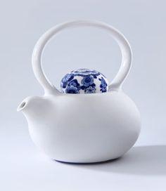 tea pot with blue detail