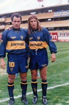 ♔pinterest:@bullcheng/tumblr:@bullcheung♚ Marcico y Caniggia Football Soccer, Football Players, Ronaldo, Professional Soccer, Sports Clubs, Premier League, Fifa, The Neighbourhood, Club