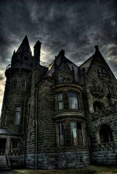 Craigdarroch Castle, British Columbia, Canada. Looks spooky!