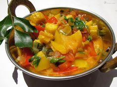 Farebna paprika v kokosovom mlieku Thai Red Curry, Indie, Pork, Ethnic Recipes, Sweet, Red Peppers, Kale Stir Fry, Candy, Pork Chops