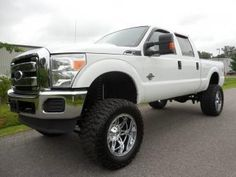2011 Ford F-250 Diesel Super Duty XLT Lifted Truck